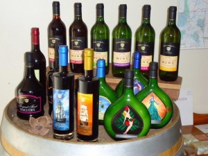 15 wine tastings at De'Brueys Tropical winery