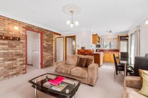 Cottage loungeroom