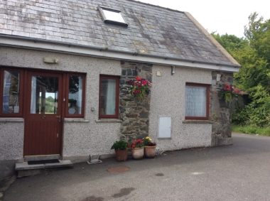 Self Catering /The Hill Cottage