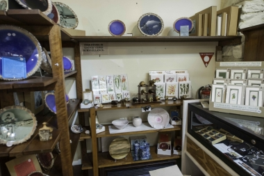 Touchwood Cottages, Gift Gallery & Cafe