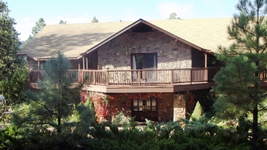 Canyon Crest Lodge