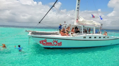 Fun Cat Sail and Snorkel